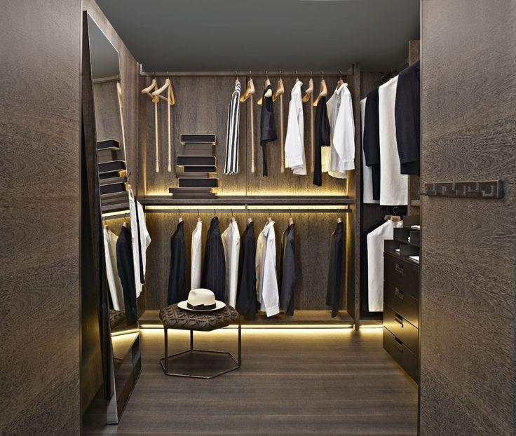 Wardrobe: BACKSTAGE - Collection: BB Italia - Design: Antonio Citterio