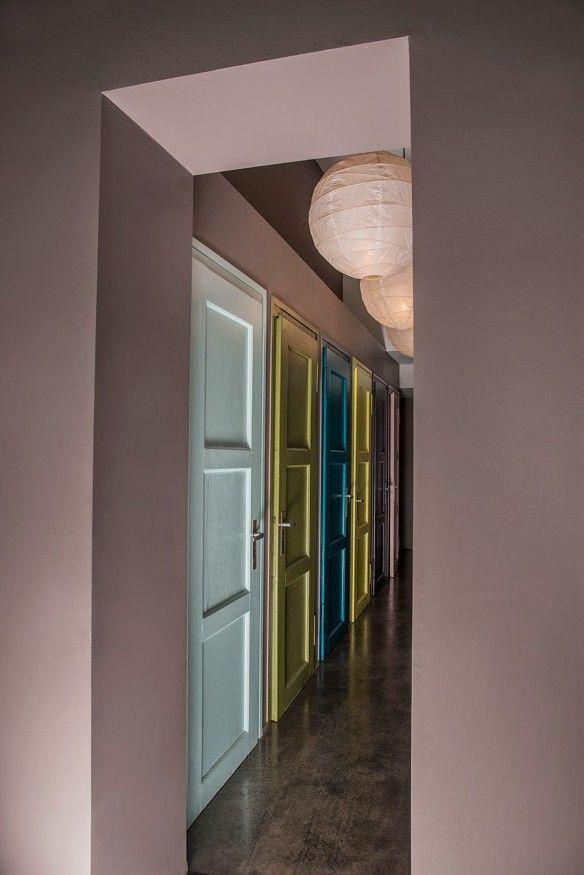 1000 id es sur le th me peinture de portes int rieures sur - Idee amenagement placard entree ...