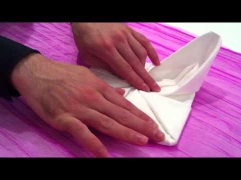 """""""How to"""" Δίπλωμα πετσέτας σε άνθος του λωτού."""