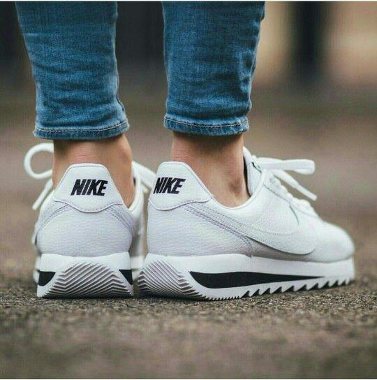 Nike wmns Classic Cortez Epic Premium - white/ black