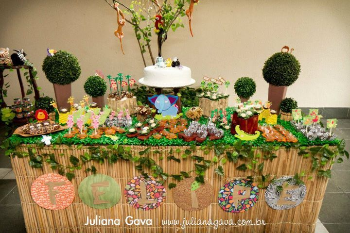 17 best images about jungle party on pinterest jungle safari jungle theme parties and for Deco table jungle