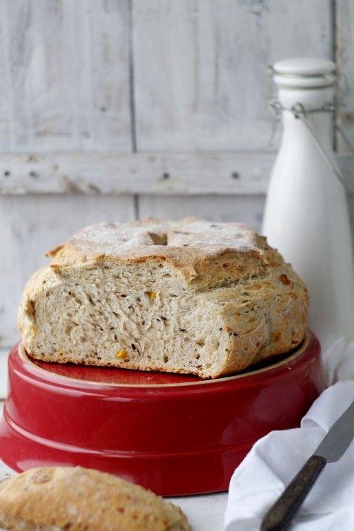 Lenmagos-sajtos-kukoricás kenyér