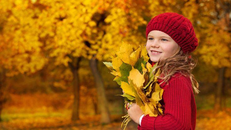 A hidegebb, őszi idő beköszöntével újra szükség van a meleg pulóverekre, nézzen szét kínálatunkban, hogy megtalálja gyermekének a legjobb!   http://www.ruhakpalotaja.hu/webshop/lany-ruhak/tipus/pulover/