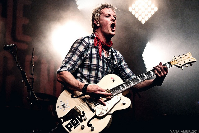 Chris Cheney, - The Living End
