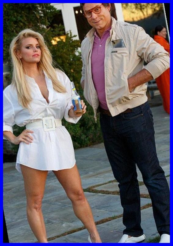 Chevy Chase Halloween 2020 Jessica Simpson and Eric dress up as Christie Brinkley and Chevy