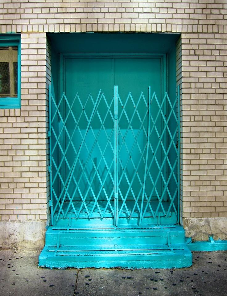 Best 25 turquoise door ideas on pinterest teal door for Turquoise door knobs