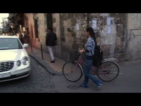 Bicicleta para ahorrar tiempo en Damasco debido al conflicto sirio. Propiedad de componentes bicicleta baratos en Zaragoza