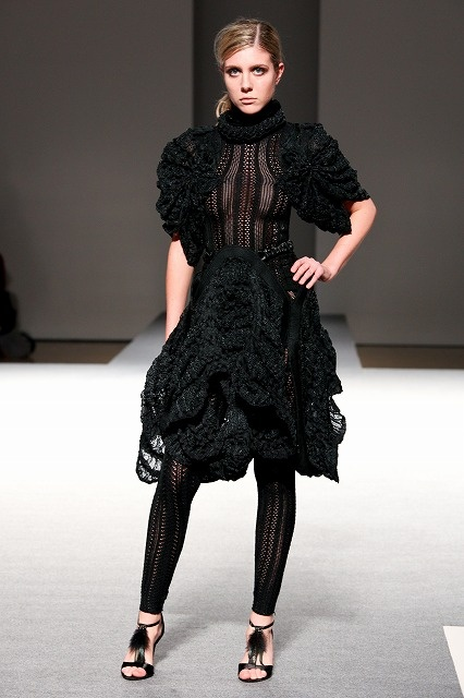 Mari Odaka Bunka Fashion Graduate University F/W 2011