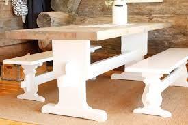 pirttipöydän jalat ja penkit valkoiseksi