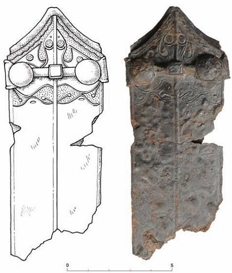 Teaca unei săbii celtice descoperită într-un mormânt de incinerație din apropierea Palatului Auersperg din Ljubljana (Slovenia), datată la mijlocul perioadei La Tene