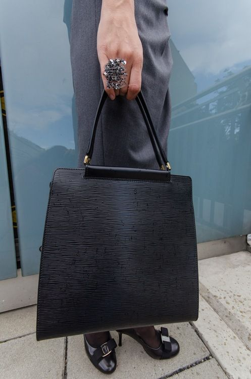 ReNika: Louis Vuitton handbag (photo by Glenneroo)