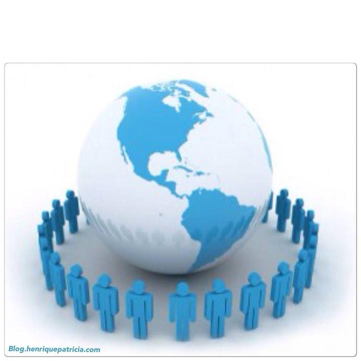 Muita gente acredita que o Marketing de rede é um esquema de pirâmide financeira. Mas são termos diferentes. Visita o meu blog e percebe o conceito e as claras diferenças entre ambos - http://blog.henriquepatricia.com/blog/marketing-de-rede-o-neg%C3%B3cio-do-futuro-e-o-mais-recomendado-pelos-milion%C3%A1rios.