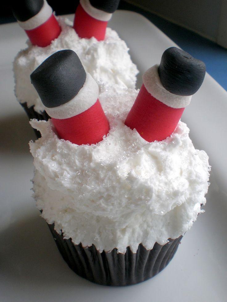 Santa stuck in the snow cupcakes