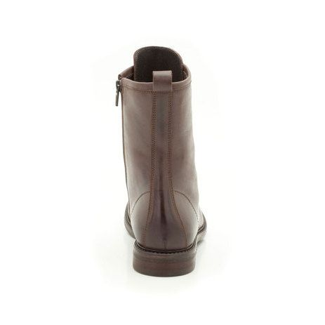 With an on-trend vintage influence these women's boots lace to the ankle for a handcrafted, authentic look in rich brown leather with subtle stitching enhances the simple style.
