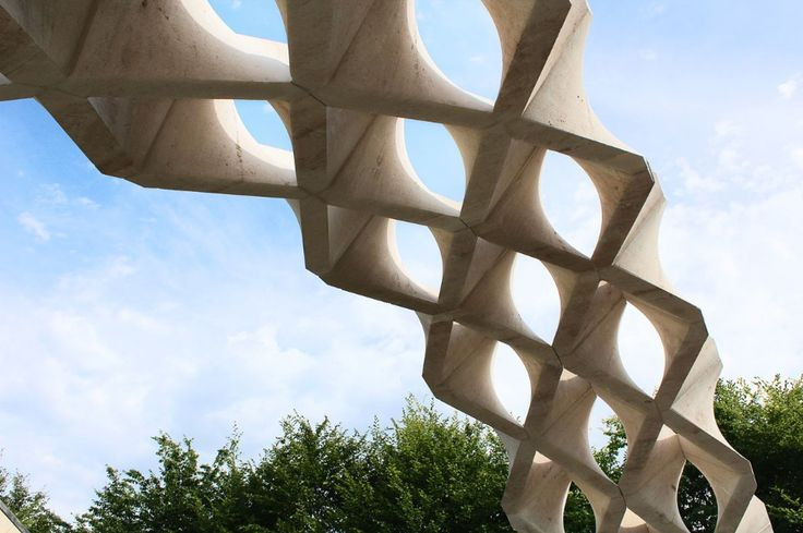 The New Fundamentals Research Group realised the Hypar Vault in Troyes, France, an experimental vaulted stone structure fabricated with near zero waste of material.