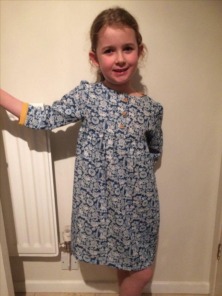 Girl's tunic dress.