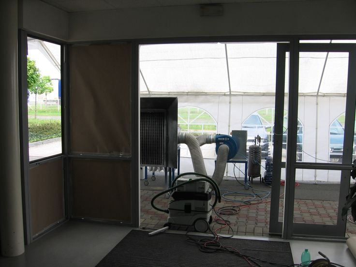 Interiér mobilní lakovny, #oprava, #lakování, #dveře, #zárubně, #obložky, #repair, #Instandsetzung, #Reparatur, #okno, #aluminium, #elox, #hliník