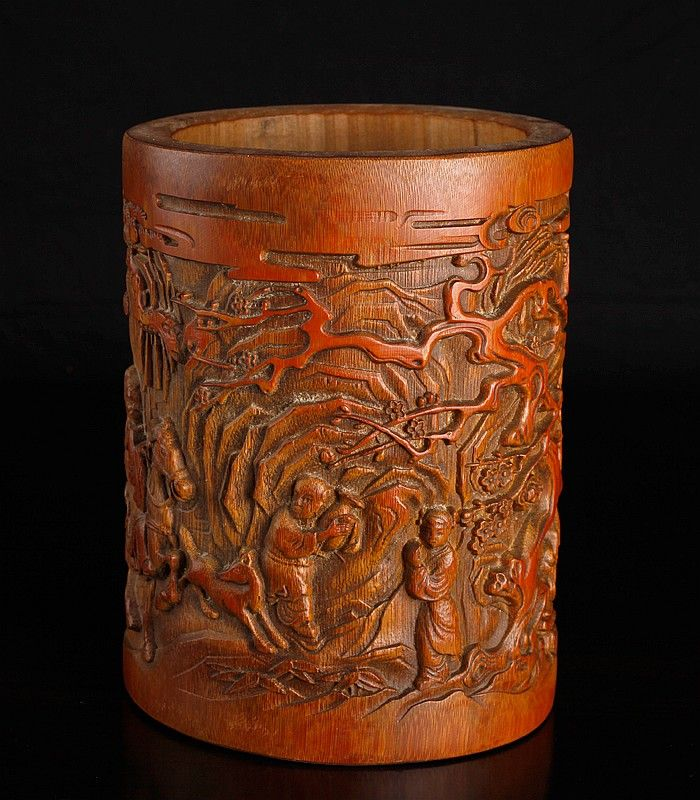 Chinese carved bamboo brush pot intricately with