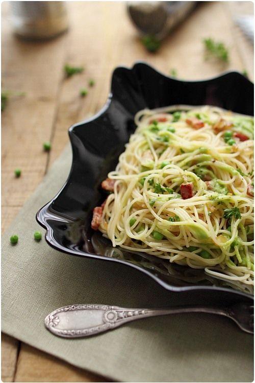 Spaghetti à la crème de petits pois