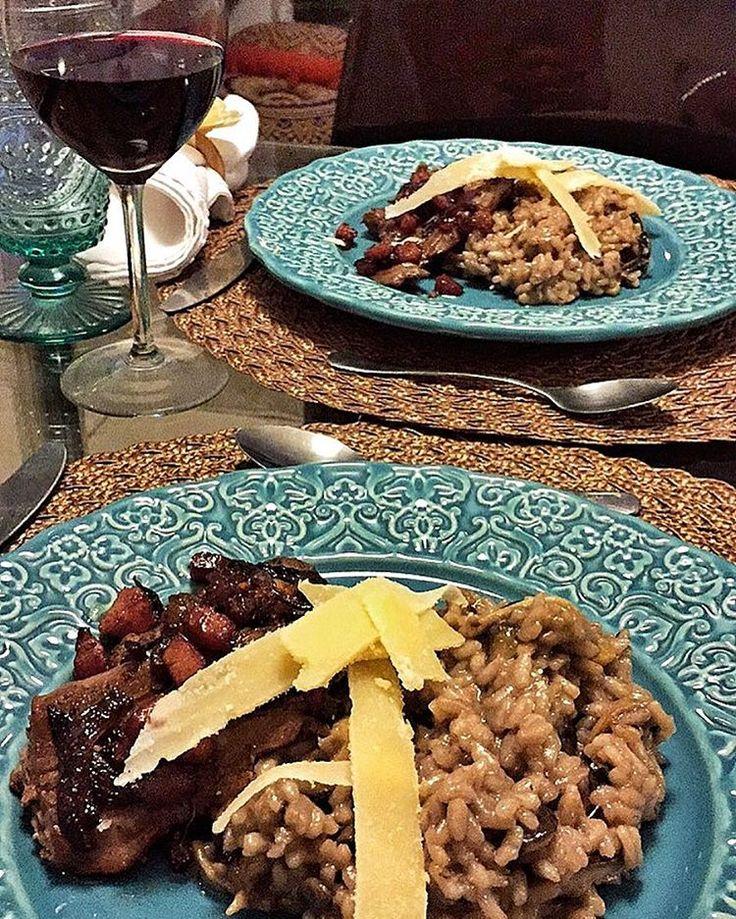 """190 curtidas, 42 comentários - Maria Mello (@mariamello_) no Instagram: """"Risoto de funghi ao azeite de trufas negras, filé com bacon agridoce e lascas de grana padano!!…"""""""