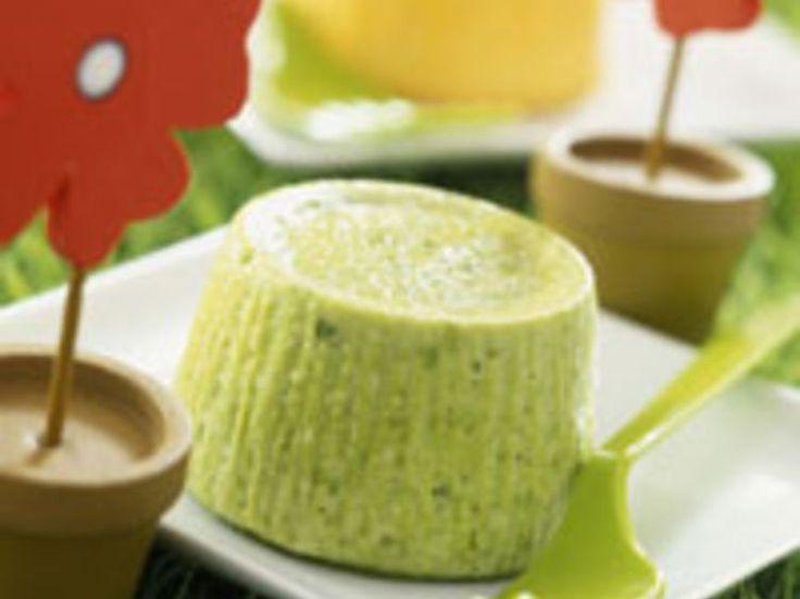 Découvrez la recette Flan de courgettes à la menthe sur cuisineactuelle.fr.