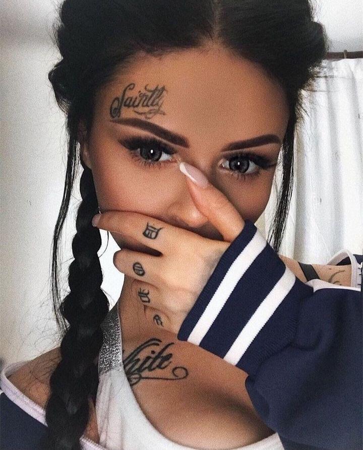 ⊱ɛʂɬཞɛƖƖą⊰ Face tattoos, Small face tattoos, Face