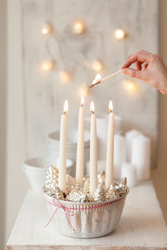 .Christmas candle centerpiece