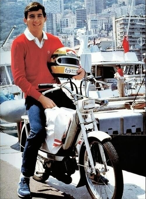 """@Habraham15: #AyrtonSenna, Monaco 1984. Homenaje  @martinilotus1 @FormulaUno_ESP  @Historical_F1  @F1_AyrtonSenna pic.twitter.com/rGyHyPERqQ"""