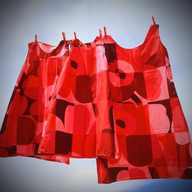 Ruutu-Unikko (square poppy) is an adaptation from the iconic Unikko print by Maija Isola. Its designed by Maija and Emma Isola to honor Unikkos 50-year anniversary 2014. http://ift.tt/2sp3RKg #ruutuunikko #marimekko #dresses #handmade #hechoamano #artesania #piezasunicas #unique #fashion #moda  #vestido #vestidos #sundress #sewing  #coser #midiseño #mydesign #granalacant #santapola #costablanca #alicante #vhga Look for more in:http://ift.tt/2rtJZYS