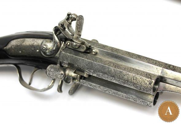 Ружье 4х зарядное, револьверного типа, с кремневым замком, со съемным прикладом и стволом.  Германия, начало XVIII века