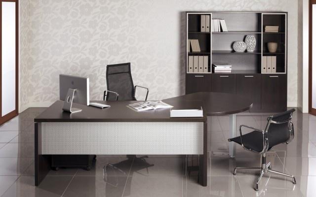 Gama Neos vorbeşte despre inovaţie, valorificarea materialelor diverse şi design propriu.  http://office.mobexpert.ro/produse/neos/