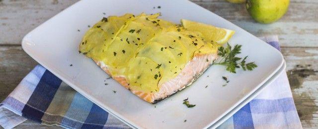 Salmone in crosta di patate al forno
