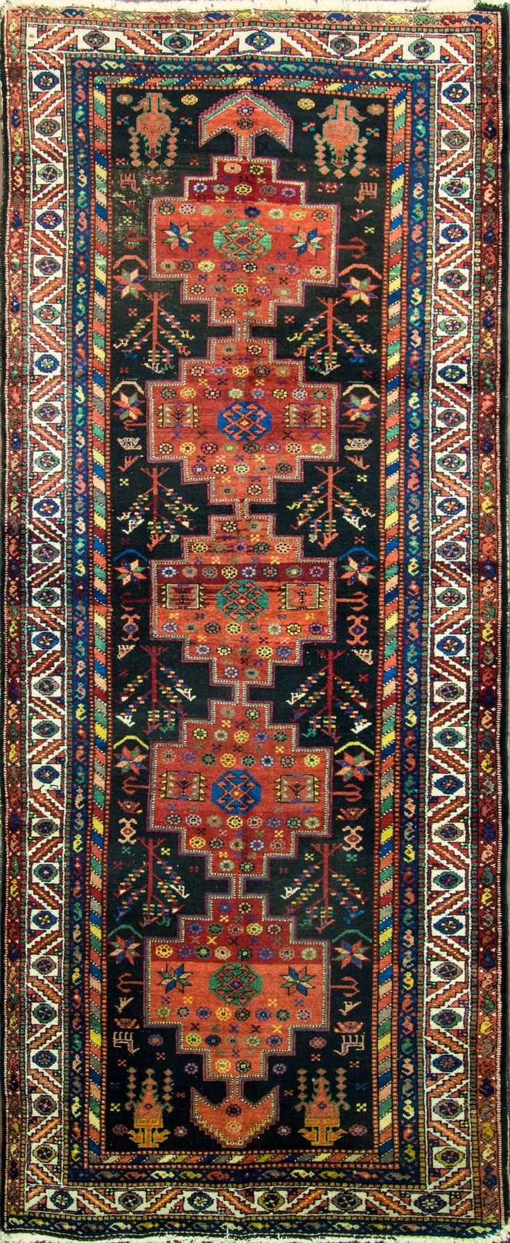 Persian Bakhtiari runner, 140cm x 343cm, 1900, Eli Peer Oriental Rugs