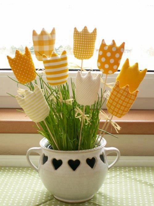 I couldn't find the original source for this after searching extensively. They were the inspiration for my cardboard tube polka dot tulips which are available on Spoonful. ~Amanda Formaro