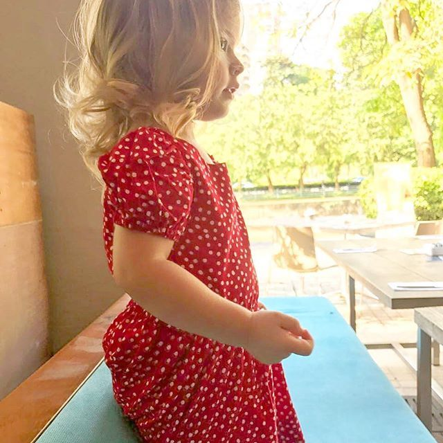 August is coming--that's Singapore National Day! I've got 2 of my favorite Aussie expat, Born-in-Singapore girls dressed in fabulous red and white dots. I adore this photo of Hennessy, thanks @gtsweeting. She's so lovely.