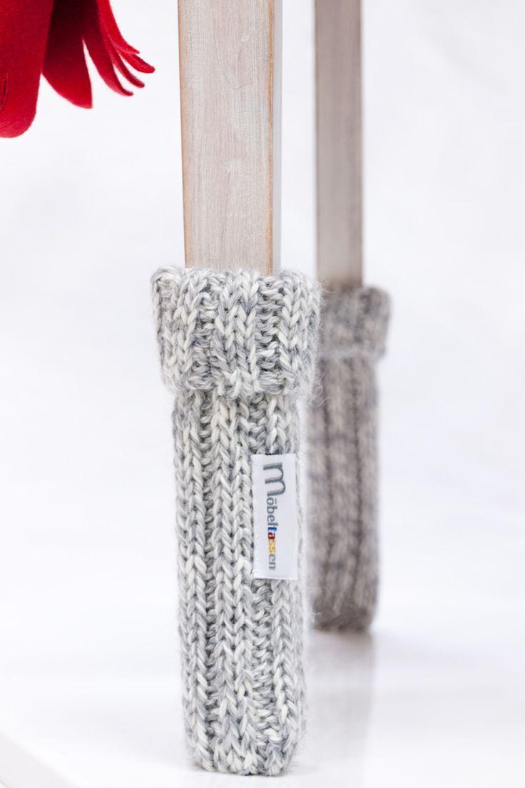 Raggsockor till stolar. Woolen socks for chairs.  # chair socks #stolsstrumpor #mobeltassen.se #inredningsdetalj