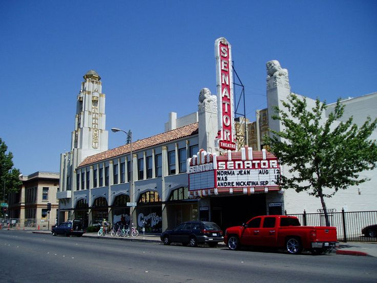 the senator theater completed in 1928 for 300 000 was designed by