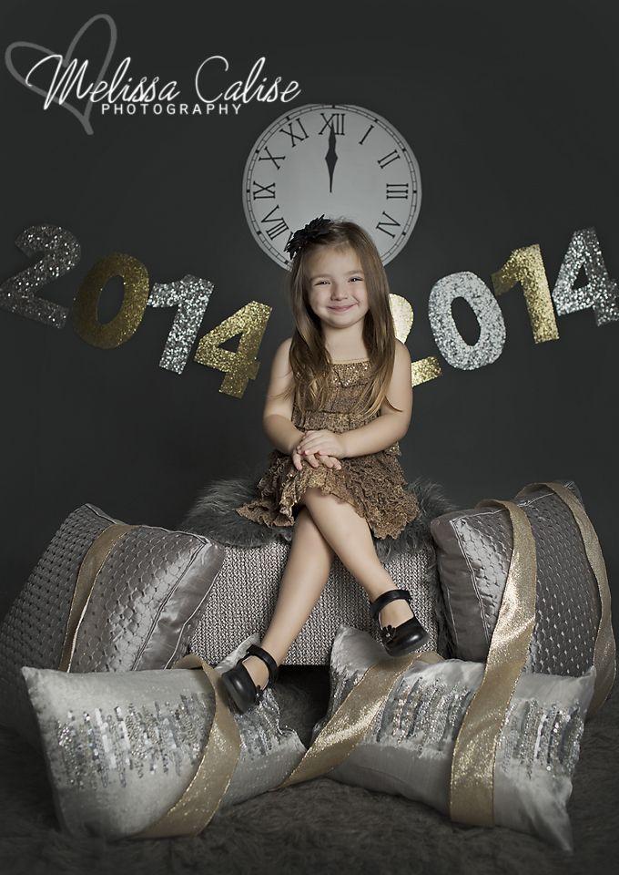 Melissa Calise Photography (Holiday Mini Session Photo Shoot New Years 2014 Posing Ideas)
