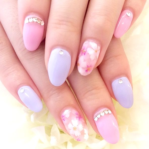指先から春を感じよう気分も上品になる桜ネイル9つ