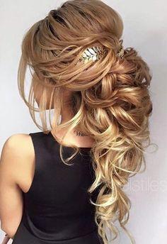 Elstile long wedding hairstyle idea with headpiece