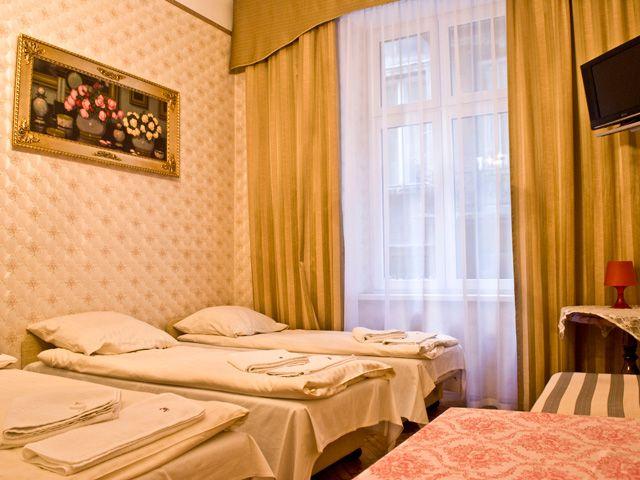 Rezerwacja noclegu jest szybsza niż myślisz. W kilka prostych kroków dokonacie Państwo rezerwacji w naszych apartamentach. Więcej informacji na stronie http://apartamenty-florian.pl/apartamenty-w-krakowie