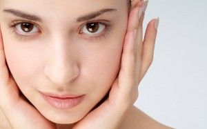 Tips to Cure Oily Skin: http://cosmeticsbycortney.com/2012/04/5-steps-to-cure-oily-skin/ #OilySkin #CosmeticsByCortney Comments=Love :D