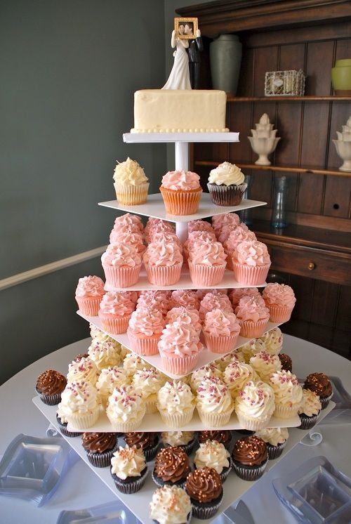 how to make gigi s wedding cake cupcake gigi s cupcakes wedding reception cupcake stands wedding 15951
