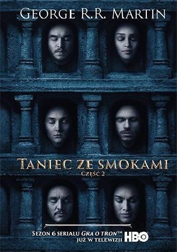 W Meereen otoczona przez wrogów Daenerys Targaryen chwyta się rozpaczliwych środków, by zachować swoją pozycję. Wielu zabiega o jej względy, lecz ostrzegano ją, by nie ufała nikomu...  W Królewskiej...