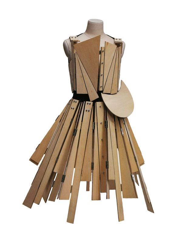 // yohji yamamoto 1991 - [possible to make with cardboard - Art and fashion / high school]