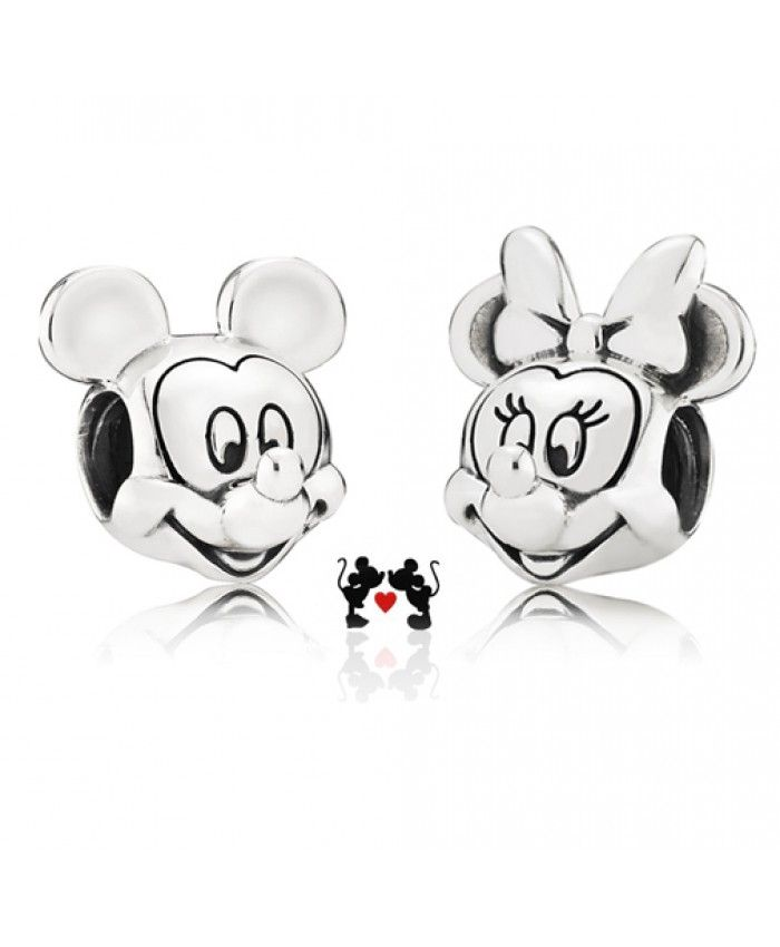 Pandora Gift Set Disney Mickey And Minnie Portrait are the best gifts to send to a couple or your lover, it is romantic!