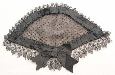 Pretty-Civil-War-Era-Ladys-Lace-Head-Dress