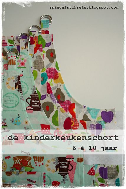 de kinderkeukenschort by - - spiegel aan de wand - -, via Flickr