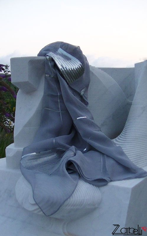 Gray scarf voile and silver paillettes Sciarpa grigia in voille con paillettes argento