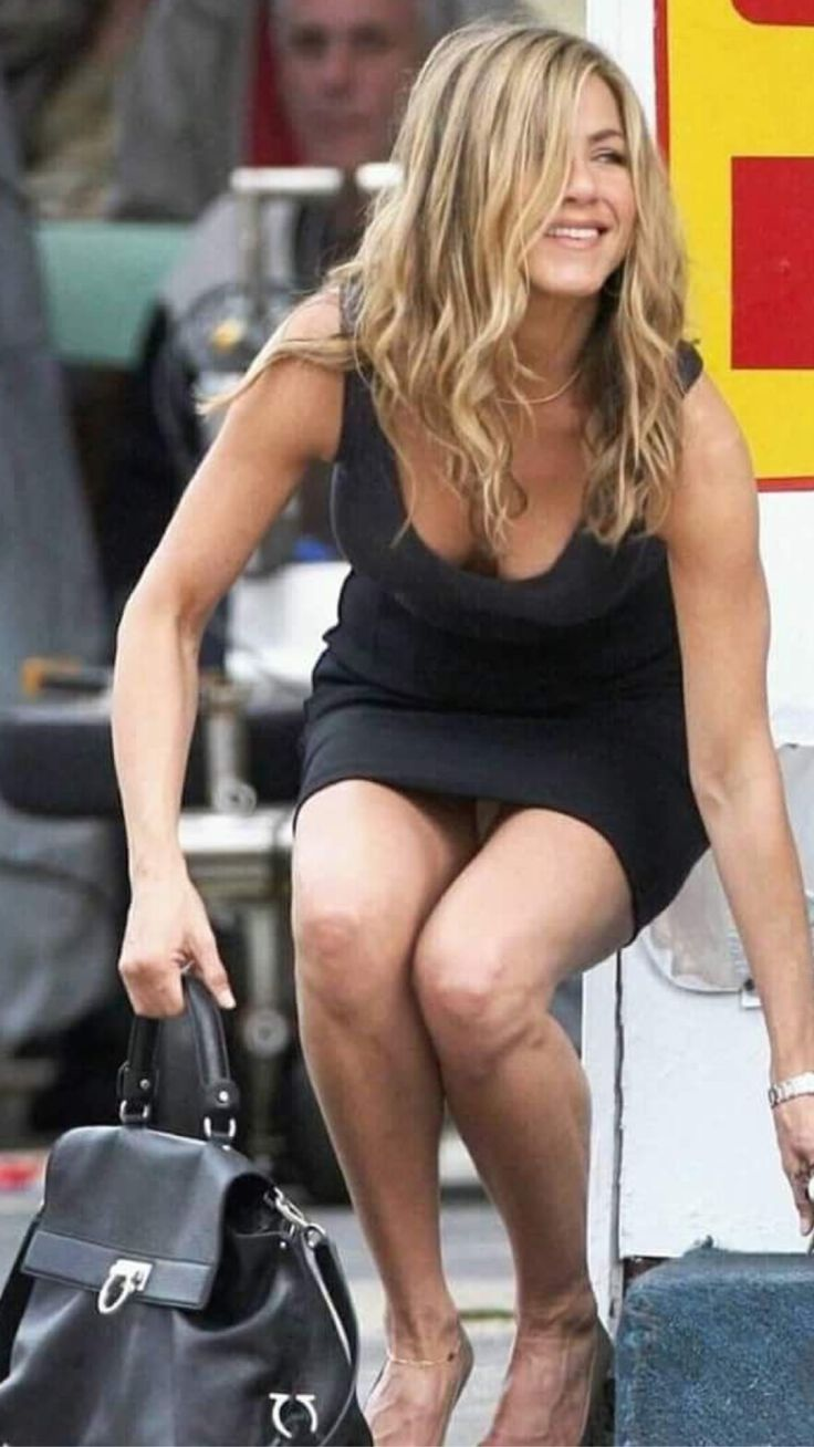 jennifer-aniston-underpants-pictures-of-men-with-big-breasts